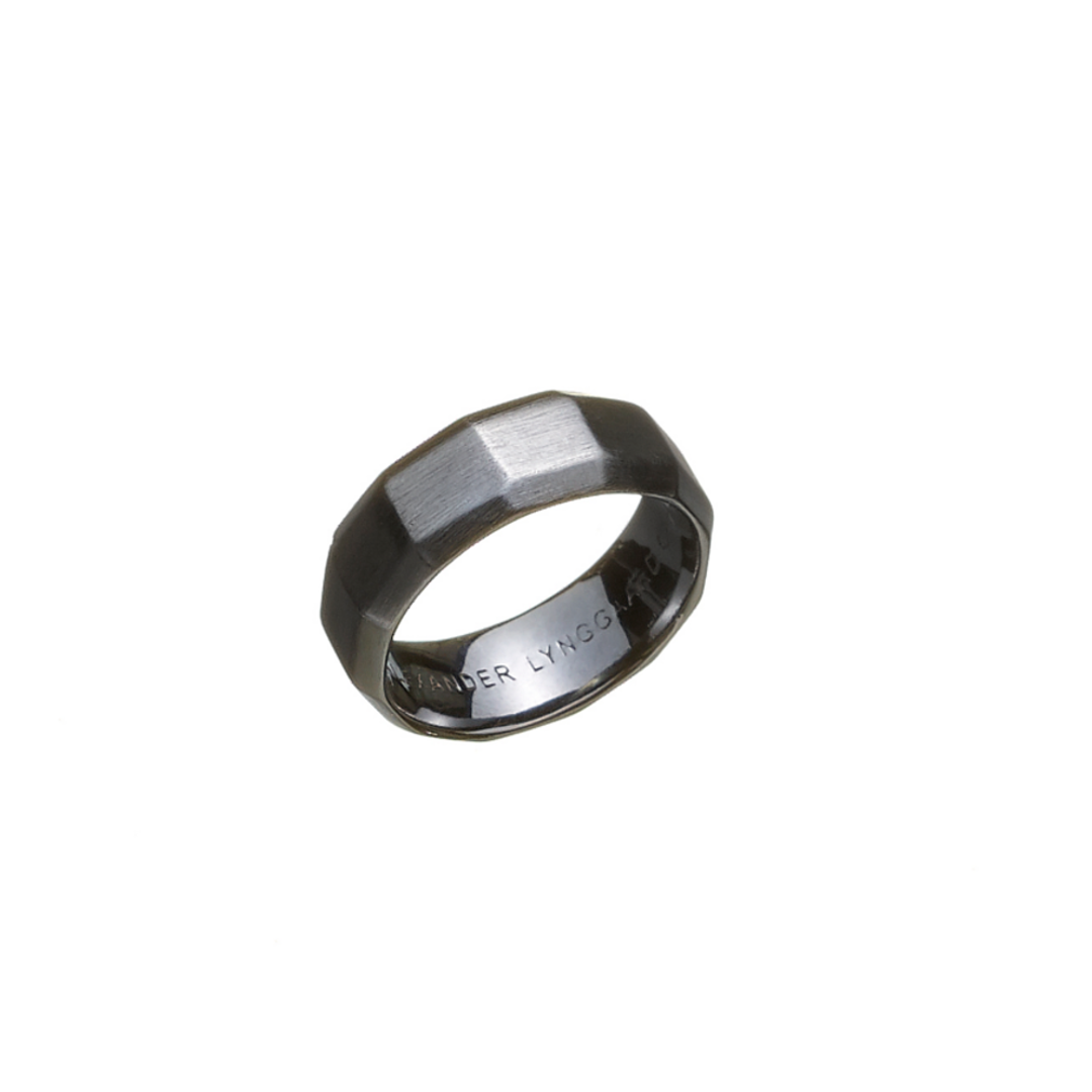 Image of   ALEXANDER LYNGGAARD HOPE SIGNET FACET RING